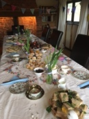 lauras-hen-teaparty